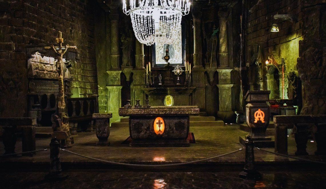 Cappella sacra all'interno delle miniere di sale di Wieliczka in Polonia