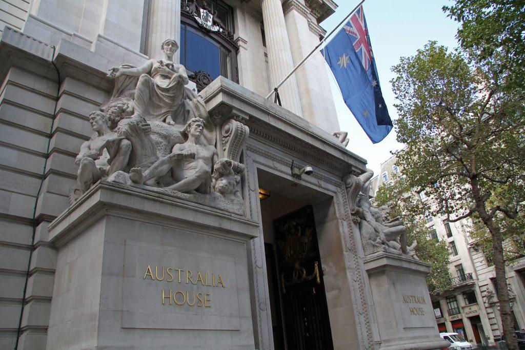 La facciata esterna dell'Australia House a Londra.