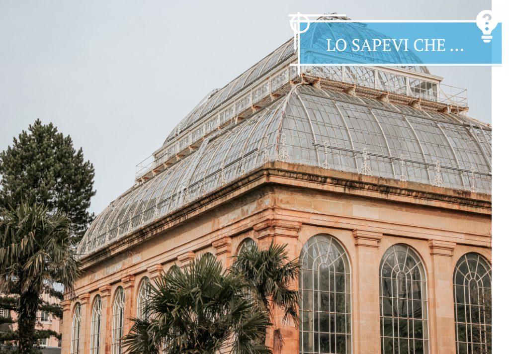 Una delle famose Victorian Palm Houses al Royal Botanic Garden di Edimburgo