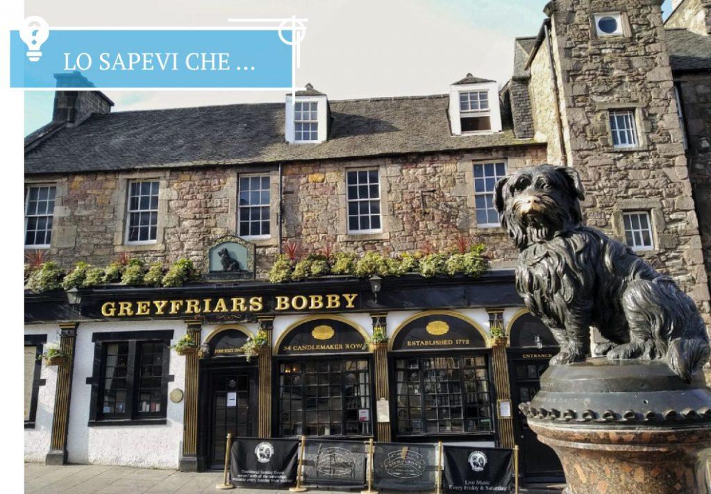 Il monumento al famoso Greyfriars Bobby a Edimburgo.