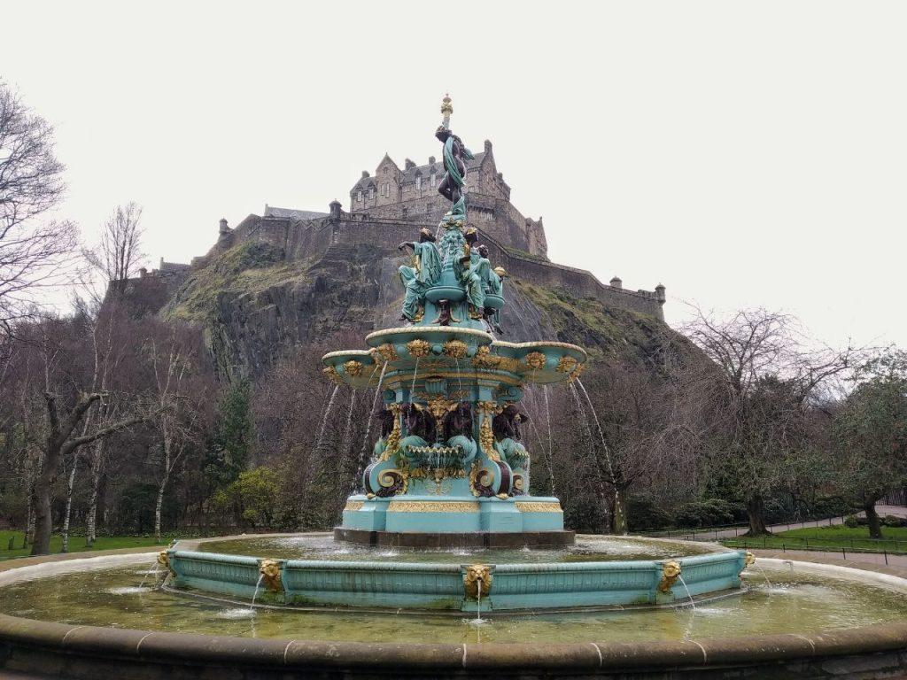 La Roisin Fountain nei Prince Street Gardens di Edimburgo