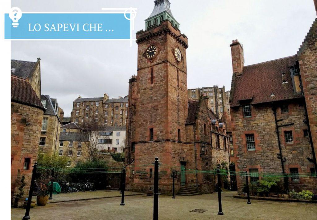 Il cortile della Well Court nel Dean Village a Edimburgo