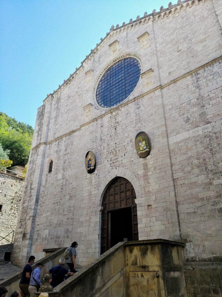 La facciata del Duomo di Gubbio.