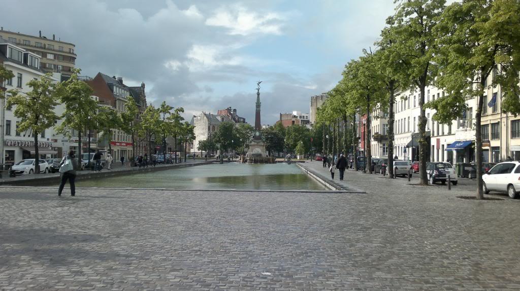 La piazza di Saint Catherine con la fontana a Bruxelles.