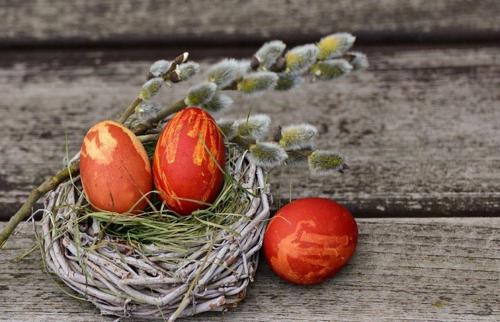 Tradizioni di Pasqua dal mondo: le 15 più interessanti e bizzarre