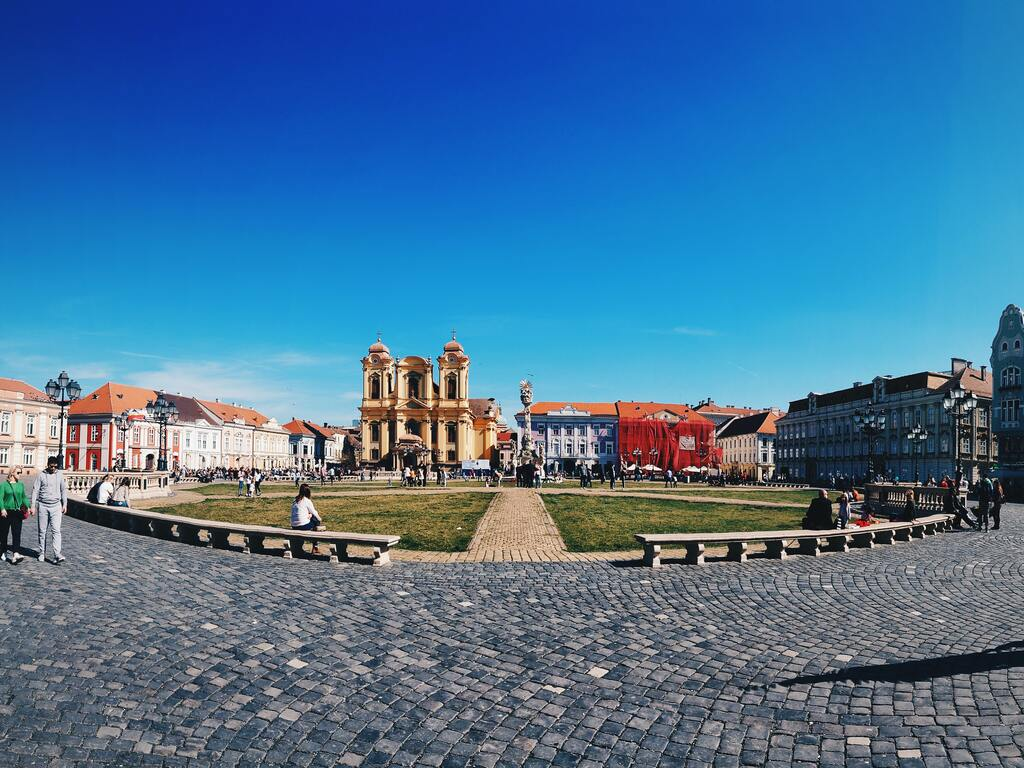 La piazza principale di Timisoara in Romania