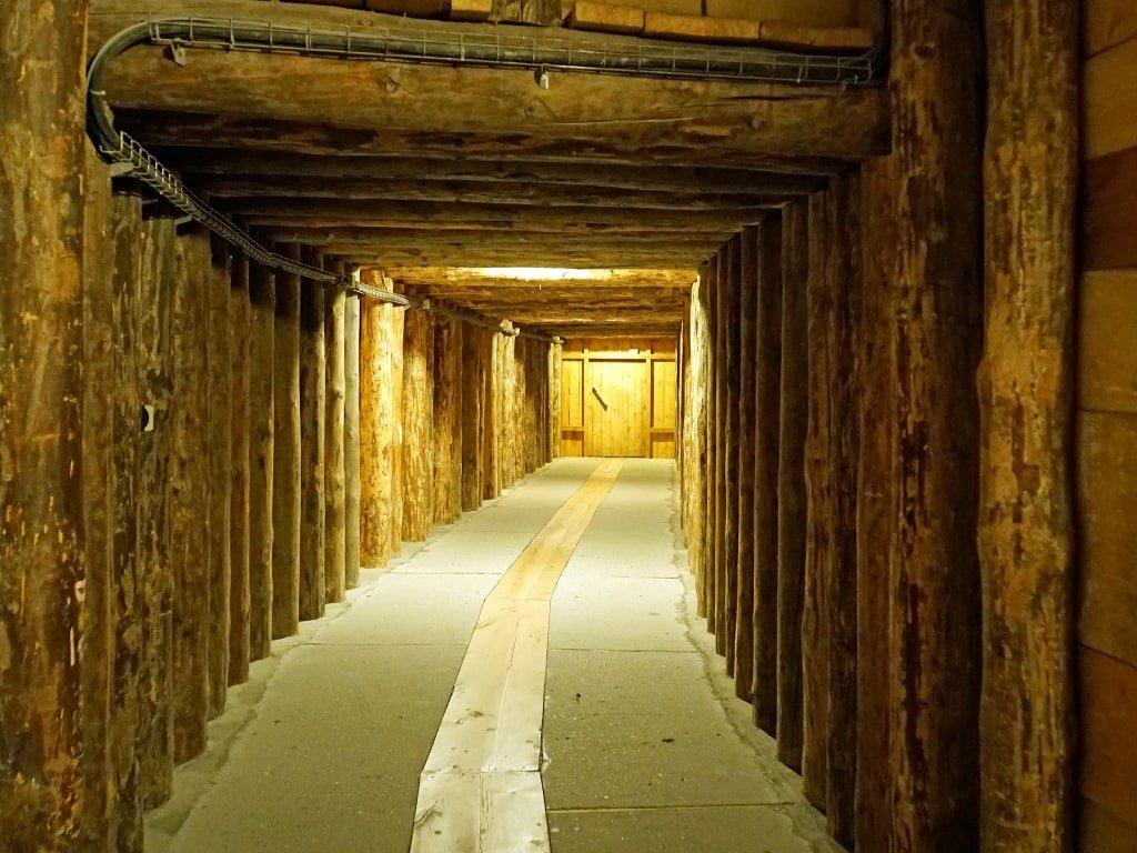 Uno dei tunnel interni alla miniera