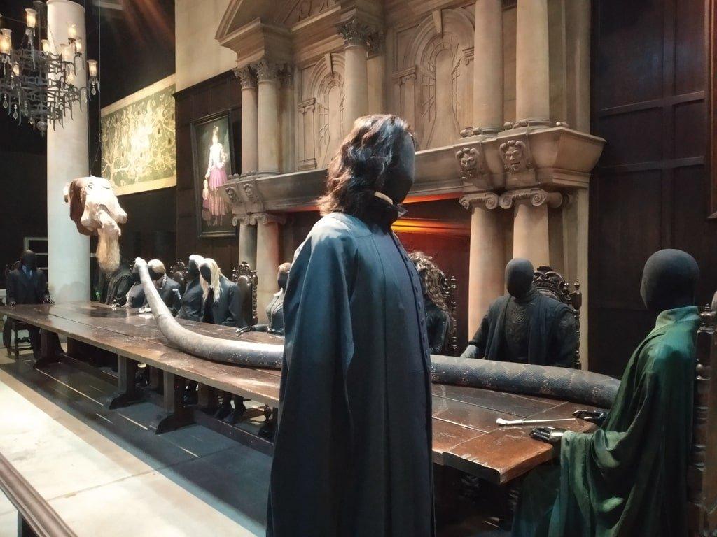 La statua di Severus Piton e degli altri mangiamorte ai Warner Bros Studio Tour - The Making of Harry Potter a Londra