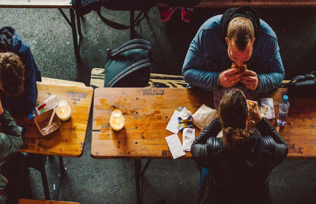 Mangiare low cost in viaggio: i nostri consigli per risparmiare