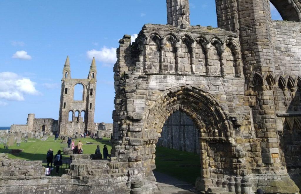 Vista della Cattedrale di Saint Andrews in Scozia.