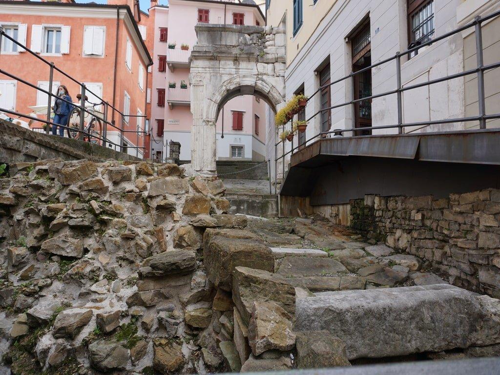 Uno dei siti archeologici romani di Trieste