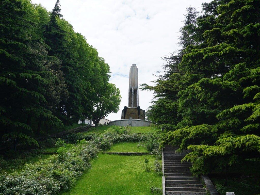 Monumento ai caduti nella Chiesa di Rimembranza a Trieste.