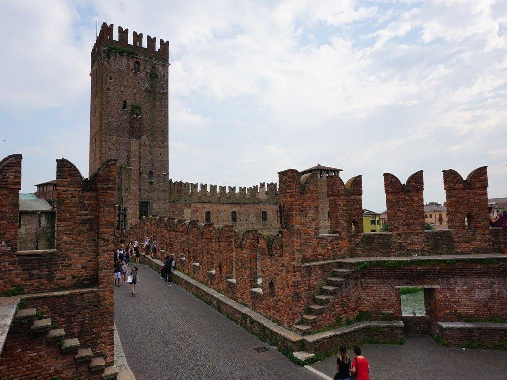 castelvecchio bridge inside viewpoint
