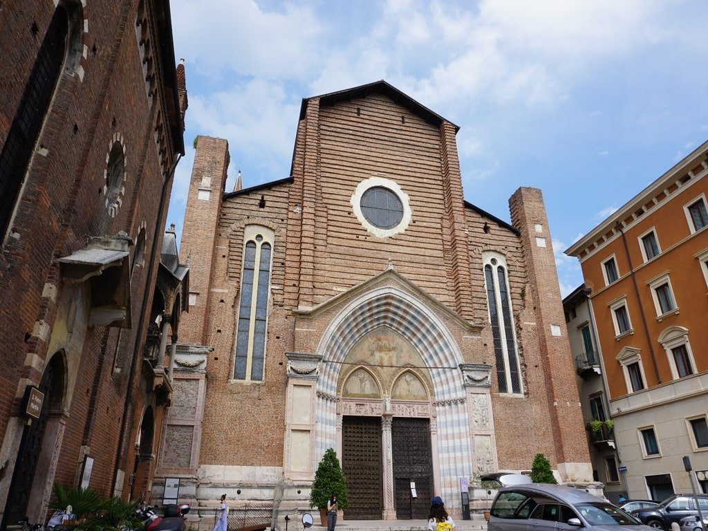 church of verona sant'anastasia main facade from a square