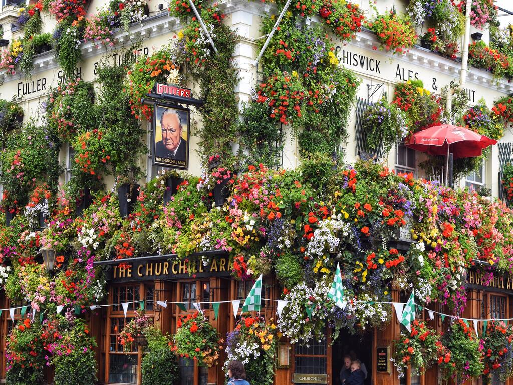 Il famoso pub di Londra Churchill Arms Pub di Londra