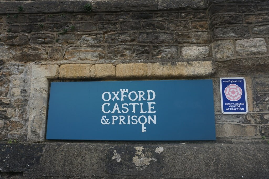 Il cartello del castello di Oxford.