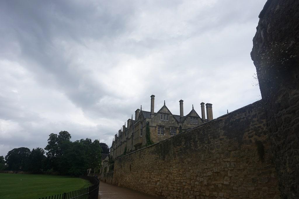Le mura esterne e gli edifici del Merton College.