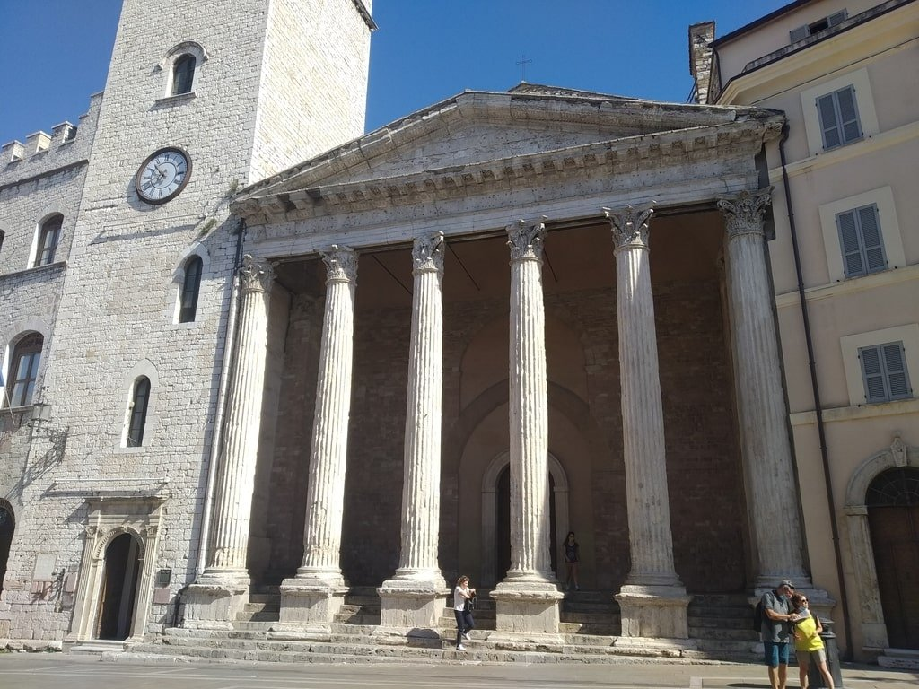 Il Tempio di Minerva, la chiesa in Piazza del Comune ad Assisi