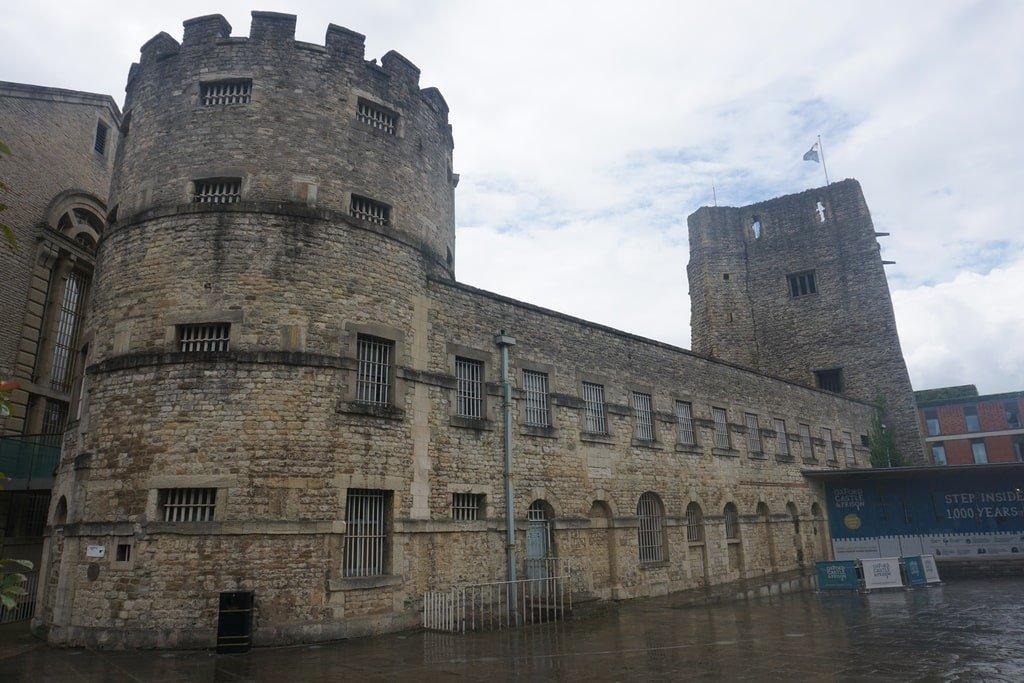 Il castello e le priglioni di Oxford.