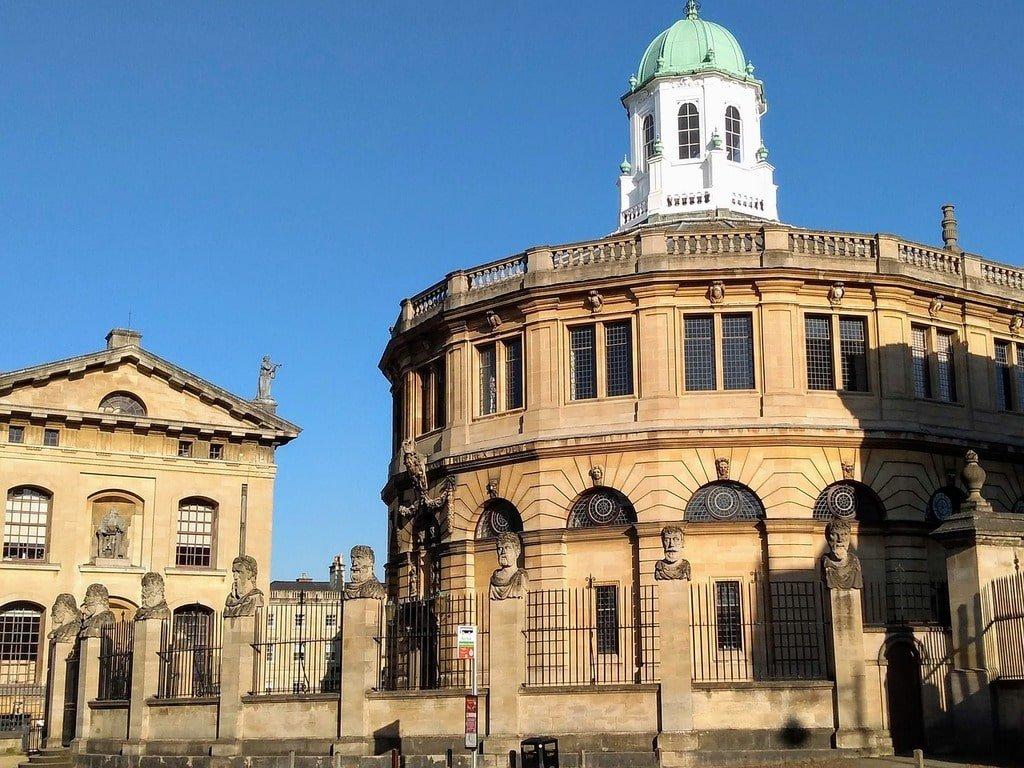 Lo Sheldonian Theatre a Oxford visto daall'esterno.
