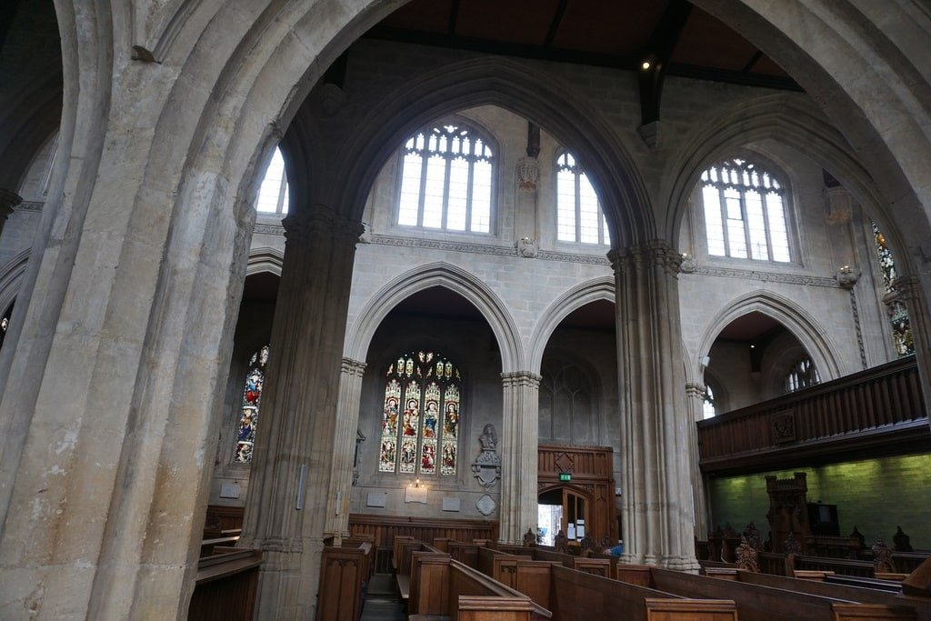 Gli interni della University Church of St Mary.
