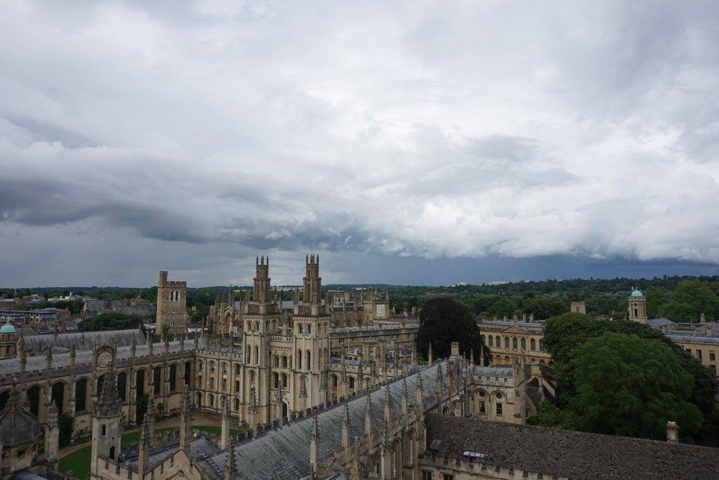All Souls College visto dall'alto della torre della University Church of St Mary.